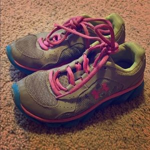Girls under armor shoes